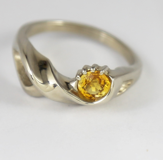 Golden Sapphire in White Gold Ring